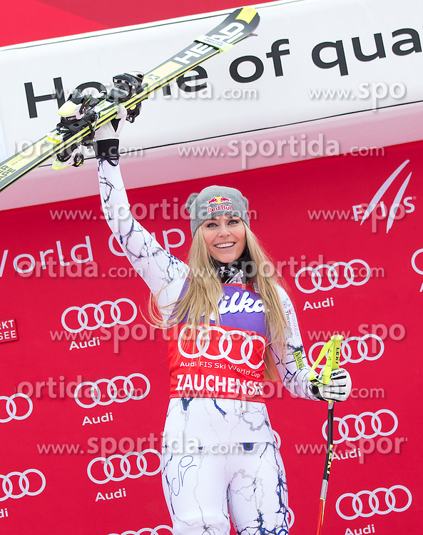 09.01.2016, Keelberloch Rennstrecke, Altenmarkt Zauchensee, AUT, FIS Weltcup Ski Alpin, Zauchensee, Abfahrt, Damen, Podium, im Bild Lindsey Vonn (USA, 1. Platz) // winner Lindsey Vonn of the USA celebrate on Podium after ladies Downhill of the Zauchensee FIS Ski Alpine World Cup at the Keelberloch Rennstrecke in Altenmarkt Zauchensee, Austria on 2016/01/09. EXPA Pictures © 2016, PhotoCredit: EXPA/ Johann Groder