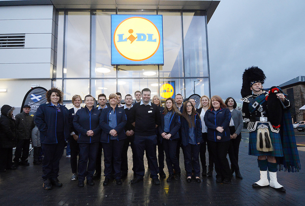 The opening of the new Lidl store in Greenock, Inverclyde, November 17 2016 CPG Photography