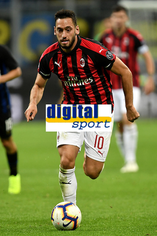 Hakan Calhanoglu of AC Milan in action during the Serie A 2018/2019 football match between Fc Internazionale and AC Milan at Giuseppe Meazza stadium Allianz Stadium, Milano, October, 21, 2018 <br />  Foto Andrea Staccioli / Insidefoto