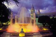 Fuente de los Leones, Plaza las Delicias