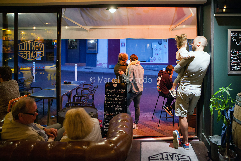 Nightlife and live music at Ventilo Cafe in Biarritz, France.