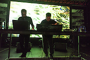 NOCTURNE 5 :: DEEP EASE , POLE & MFO, Musée d'art contemporain - Salle principale<br /> dimanche 31 mai<br /> Une dernière nuit de sons exubérants alors que le dub est métissé au jazz, à la house et à la techno par des artistes à la musicalité et à l'habileté technique redoutable, mixant les échantillons et jouant avec les ambiances pour créer un continuum qui enflamme le corps, l'âme et, si vous le possédez encore en cette dernière nuit du festival, l'esprit.