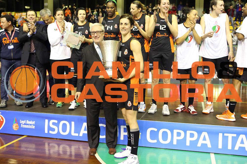 DESCRIZIONE : Lucca Lega A1 Femminile 2012-13 Final Four Coppa Italia 2013 Finale Gesam Gas Lucca Famila Wuber Schio<br /> GIOCATORE : Gaetano Laguardia Raffaella Masciadri<br /> SQUADRA : Famila Wuber Schio FIP<br /> EVENTO : Campionato Lega A1 Femminile 2012-2013 <br /> GARA : Gesam Gas Lucca Famila Wuber Schio<br /> DATA : 10/03/2013<br /> CATEGORIA : premiazione award coppa cup<br /> SPORT : Pallacanestro <br /> AUTORE : Agenzia Ciamillo-Castoria/ElioCastoria<br /> Galleria : Lega Basket Femminile 2012-2013 <br /> Fotonotizia : Lucca Lega A1 Femminile 2012-13 Final Four Coppa Italia 2013 Finale Gesam Gas Lucca Famila Wuber Schio<br /> Predefinita :