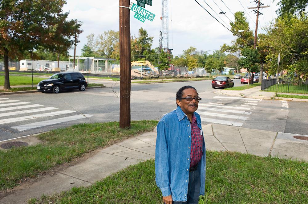 Einer der ganz wenigen Republikaner, Bob Richards, im Wahlbezirk 100, Anacostia Avenue, Washington DC..© Stefan Falke..