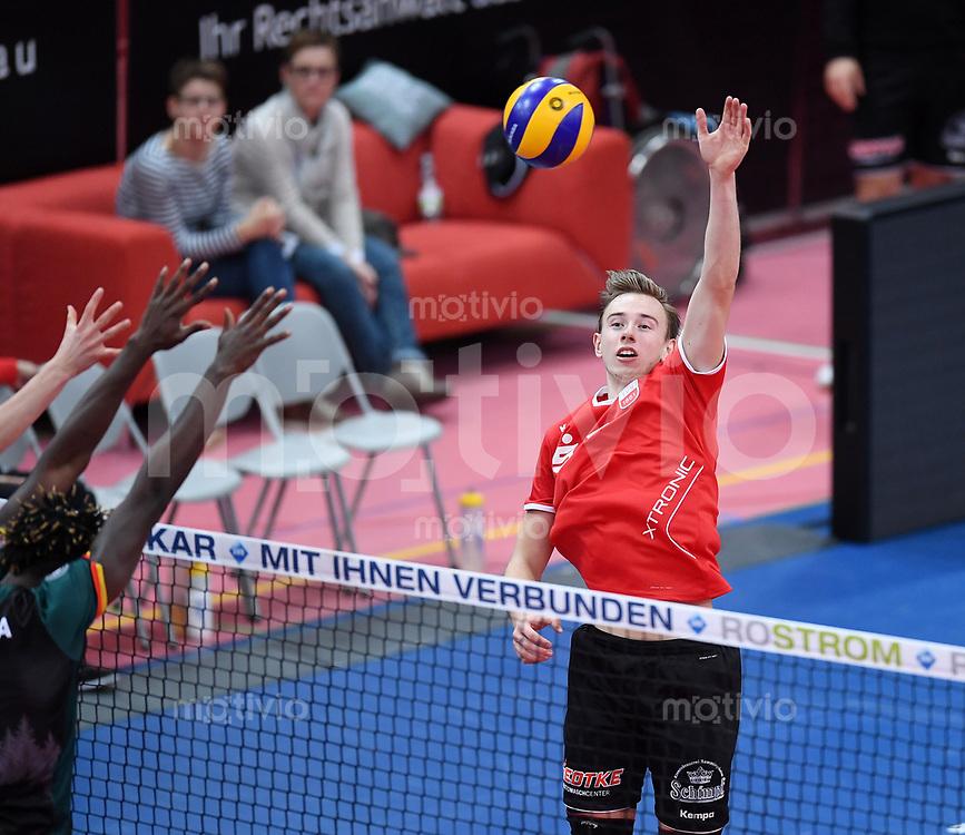 Volleyball 1. Bundesliga  Saison 2017/2018 TV Rottenburg - Volley Bisons Buehl       11.11.2017 Johannes Moennich (TV Rottenburg)