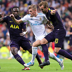 Harry Kane of Tottenham Hotspurand Toni Kroos of of Real Madrid in action during Uefa Champions League (Group H) match between Real Madrid and Tottenham Hotspur at Santiago Bernabeu Stadium on October 17, 2017 in Madrid  (Spain) (Photo by Luis de la Mata / SportPix.org.uk)