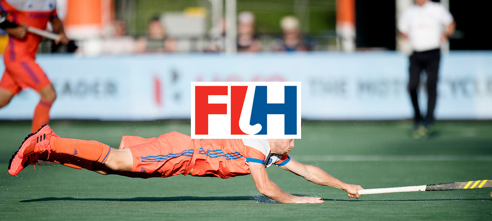 BREDA - Rabobank Hockey Champions Trophy<br /> The Netherlands - Pakistan<br /> Photo: Roel Bovendeert.<br /> COPYRIGHT WORLDSPORTPICS FRANK UIJLENBROEK