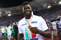 August 13, 2017 - Rome, Italy - Felipe Caicedo of Lazio with the cup after winning the Italian SuperCup TIM football match Juventus vs Lazio on August 13, 2017 at the Olympic stadium in Rome. (Credit Image: © Matteo Ciambelli/NurPhoto via ZUMA Press)