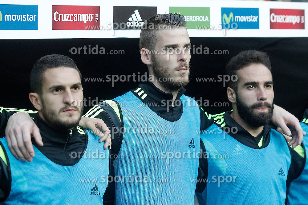 05.09.2015, Stadio Nuevo Carlos Tartiere, Oviedo, ESP, UEFA Euro 2016 Qualifikation, Spanien vs Slowakei, Gruppe C, im Bild Spain's Koke Resurreccion (l), David De Gea (c) and Dani Carvajal // during the UEFA EURO 2016 qualifier Group C match between Spain and Slovakia at the Stadio Nuevo Carlos Tartiere in Oviedo, Spain on 2015/09/05. EXPA Pictures &copy; 2015, PhotoCredit: EXPA/ Alterphotos/ Acero<br /> <br /> *****ATTENTION - OUT of ESP, SUI*****