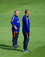 ALKMAAR - Trainer Dick Advocaat , Ruud Gullit Bondscoach Dick Advocaat tijdens de persconferentie van het Nederlands elftal voorafgaand aan de wedstrijd tegen Bulgarije.  copyright robin utrecht