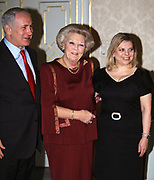 Koningin Beatrix ontvangt minister-president Netanyahu van Israel op audientie in paleis Huis ten Bosch.<br />