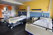 Nederland, Nijmegen, 16-7-2009Lege bedden in een lege ziekenhuiskamer.Foto: Flip Franssen
