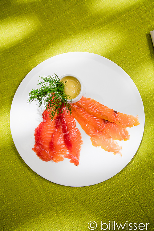 Gravlax with pear suace