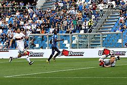 """Foto LaPresse/Filippo Rubin<br /> 11/05/2019 Reggio Emilia (Italia)<br /> Sport Calcio<br /> Atalanta - Genoa - Campionato di calcio Serie A 2018/2019 - Stadio """"Mapei Stadium""""<br /> Nella foto: GOAL MUSA BARROW (ATALANTA)<br /> <br /> Photo LaPresse/Filippo Rubin<br /> May 11, 2019 Reggio Emilia (Italy)<br /> Sport Soccer<br /> Atalanta vs Genoa - Italian Football Championship League A 2018/2019 - """"Mapei stadium"""" Stadium <br /> In the pic: GOAL MUSA BARROW (ATALANTA)"""