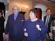 John Mortimer and Libby Purves. Old Vic Lesley Garrett Literary Lunch. Savoy. 9 March 2001. © Copyright Photograph by Dafydd Jones 66 Stockwell Park Rd. London SW9 0DA Tel 020 7733 0108 www.dafjones.com