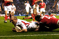 Photo: Richard Lane.<br />England v Wales. RBS Six Nations. 04/02/2006.<br />England's Mike Tindall scores a try.