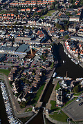 Nederland, Friesland, Gemeente Lemsterland, 08-09-2009; Lemmer, voormalig vissersdorp, watersportplaats met haven, jachthaven en sluis. .Lemmer, former fishing village, lock, marina and harbor.Luchtfoto (toeslag); aerial photo (additional fee required); .foto Siebe Swart / photo Siebe Swart