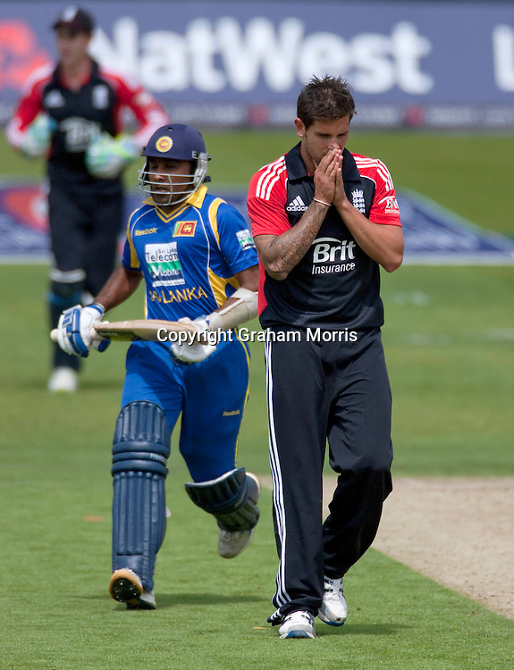 Jade Dernbach down as Mahela Jayawardene (left) scores off his bowling during the second one day international between England and Sri Lanka at Headingley, Leeds. Photo: Graham Morris (Tel: +44(0)20 8969 4192 Email: sales@cricketpix.com) 01/07/11