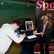 NLD/Amstelveen/20181012 - Theaterrcollege mr Gerard Spong, bezoekers mogen vragen invullen voor Mr. Spong