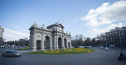 THEMENBILD - Der Puerta de Alcalá am Unabhängigkeitsplatz. Die Stadt Madrid ist eine der größten Metropolen in Europa. Sie liegt im Zentrum der iberischen Halbinsel und ist Hauptstadt von Spanien. Aufgenommen am 25.03.2016 in Madrid ist Spanien // Madrid is on of the biggest metropolis in Europe. It is located in the center of the Iberian Peninsula and is the capital of Spain. Spain on 2016/03/25. EXPA Pictures © 2016, PhotoCredit: EXPA/ Jakob Gruber