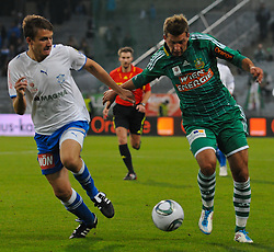 15.10.2011, Gerhard Hanappi Stadion, Wien, AUT, 1. FBL, SK Rapid Wien vs SC Wiener Neustadt, im Bild Zweikampf zwischen Thomas Kral, (SC Magna Wiener Neustadt, #3) und Guido Burgstaller, (SK Rapid Wien, #30) // during the Austrian Bundesliga Match SK Rapid Wien versus SC Wiener Neustadt, Gerhard Hanappi Stadion, Vienna, 2011-10-15, EXPA Pictures © 2011, PhotoCredit: EXPA/ M. Gruber