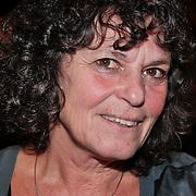 NLD/Amsterdam/20110216 - Boekpresentatie Twaalf goeroes, dertien ongelukken van schrijver Johan Noorloos, Yvonne Kroonenberg