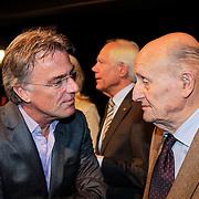 NLD/Hilversum/20121003- Boekpresentatie De Iconen van het NOS Achtuurjournaal, Rob Trip en ????..