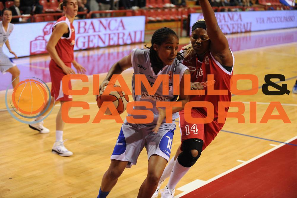 DESCRIZIONE : Perugia Lega A1 Femminile 2010-11 Coppa Italia Semifinale Officine Digitali Faenza Famila Schio<br /> GIOCATORE : Lauren Ervin<br /> SQUADRA : Officine Digitali Faenza<br /> EVENTO : Campionato Lega A1 Femminile 2010-2011 <br /> GARA : Officine Digitali Faenza Famila Schio<br /> DATA : 12/03/2011 <br /> CATEGORIA : penetrazione<br /> SPORT : Pallacanestro <br /> AUTORE : Agenzia Ciamillo-Castoria/M.Marchi<br /> Galleria : Lega Basket Femminile 2010-2011 <br /> Fotonotizia : Perugia Lega A1 Femminile 2010-11 Coppa Italia Semifinale Officine Digitali Faenza Famila Schio<br /> Predefinita :
