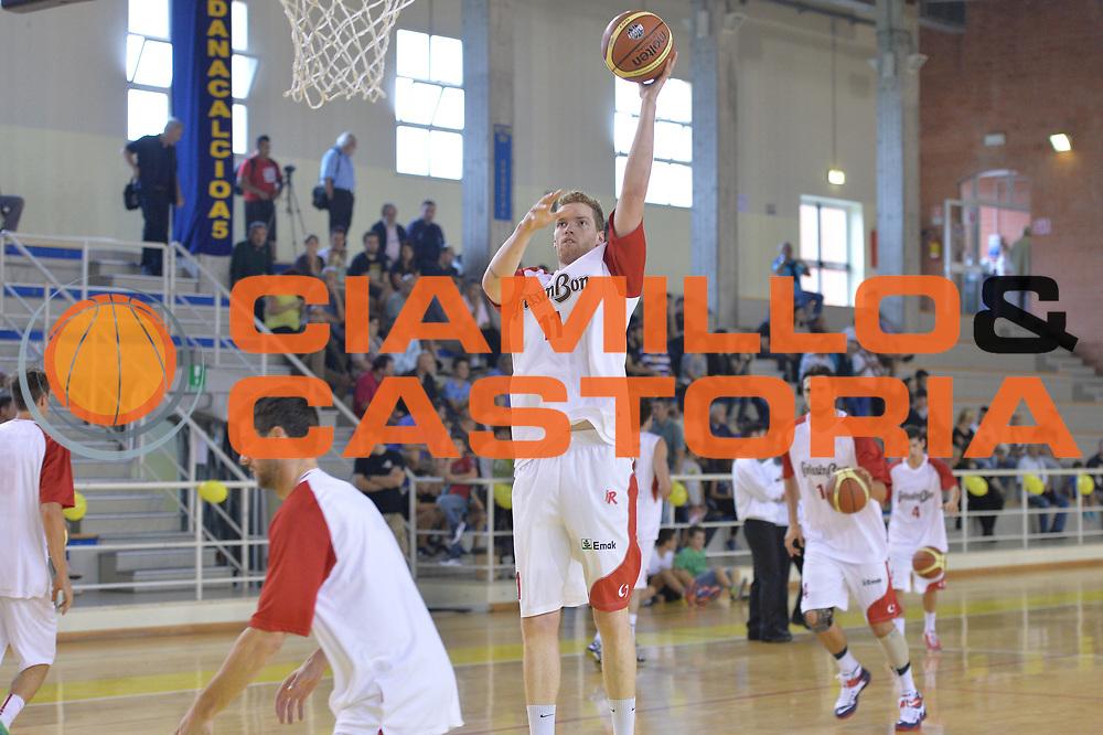 DESCRIZIONE : Viadana Trofeo del 50' esimo Lega A 2014-15 Gissin Bon Reggio Emilia vs Dinamica Mantova <br /> GIOCATORE : Pini Giovanni<br /> CATEGORIA : Tiro Pregame<br /> SQUADRA : Grissin Bon Reggio Emilia<br /> EVENTO :Torneo del 50'esimo<br /> GARA : Gissin Bon Reggio Emilia vs Dinamica Mantova <br /> DATA : 20/09/2014 <br /> SPORT : Pallacanestro <br /> AUTORE : Agenzia Ciamillo-Castoria/I.Mancini<br /> Galleria : Lega Basket A 2014-2015 Fotonotizia : Torneo del 50'esimo Lega A 2014-15 Gissin Bon Reggio Emilia vs Dinamica Mantova <br /> Predefinita :