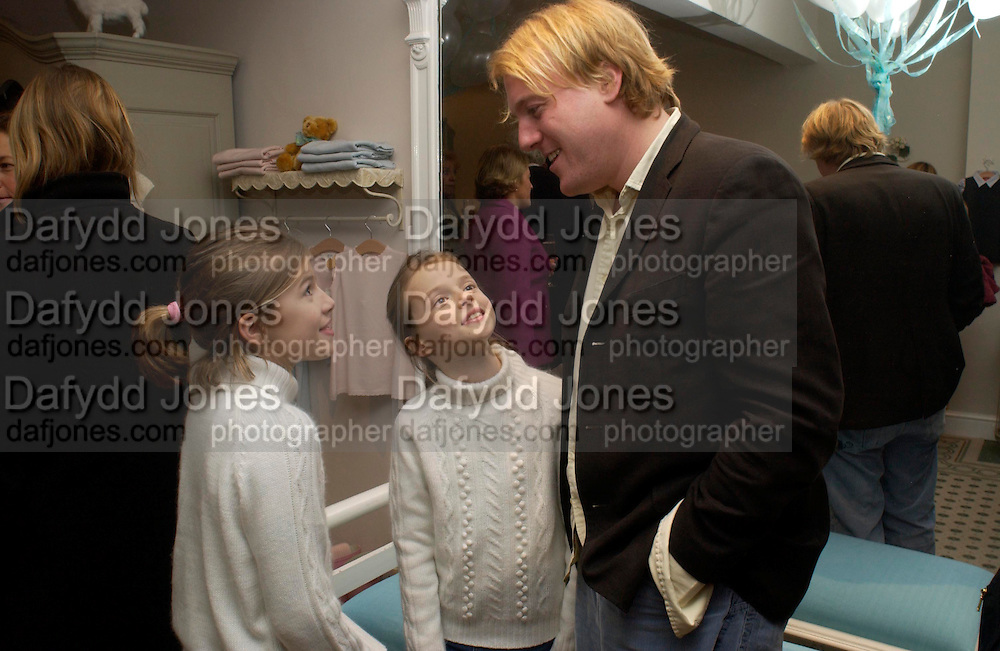 Callie Feirtz, Mimi Fiertz and Robert Huntingdon, Chippi Hacki launch party.New children's clothes shop by Lady Emily Compton. 8 Motcomb St. London SW1. ONE TIME USE ONLY - DO NOT ARCHIVE  © Copyright Photograph by Dafydd Jones 66 Stockwell Park Rd. London SW9 0DA Tel 020 7733 0108 www.dafjones.com