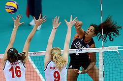 01-10-2014 ITA: World Championship Volleyball Servie - Nederland, Verona<br /> Nederland verliest met 3-0 van Servie en is kansloos voor plaatsing final 6 / Celeste Plak