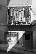 Alltag in Istanbul, die Wäsche hangt an die Linie