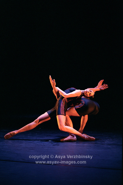 Oxana Panchenko and William Trevitt in William Forsythe's Appoximate Sonata. George Piper Dances.