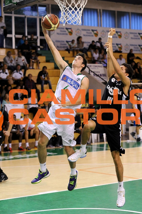 DESCRIZIONE : Porto Sant Elpidio Precampionato 2013-2014 Torneo Della Calzatura Sidigas Avellino Virtus Bologna<br /> GIOCATORE : Giampaolo Riccio<br /> CATEGORIA : tiro penetrazione<br /> SQUADRA : Sidigas Avellino<br /> EVENTO : Precampionato Lega A1 2013-2014<br /> GARA : Sidigas Avellino Virtus Bologna<br /> DATA : 29/09/2013<br /> SPORT : Pallacanestro<br /> AUTORE : Agenzia Ciamillo-Castoria/C. De Massis<br /> Galleria : Lega Basket A1 2013-2014<br /> Fotonotizia : Porto Sant Elpidio Precampionato 2013-2014 Torneo Della Calzatura Sidigas Avellino Virtus Bologna<br /> Predefinita :