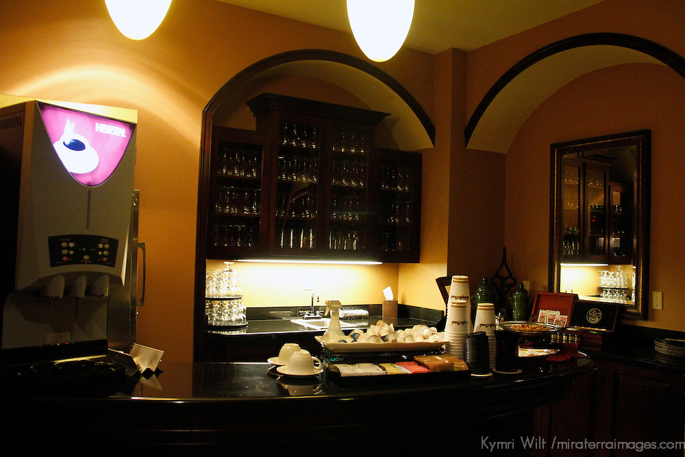 USA, Florida, Orlando. Round the clock drinks and snacks in the Concierge Lounge at Rosen Shingle Creek Resort.
