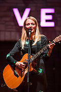Jewel performs for small group