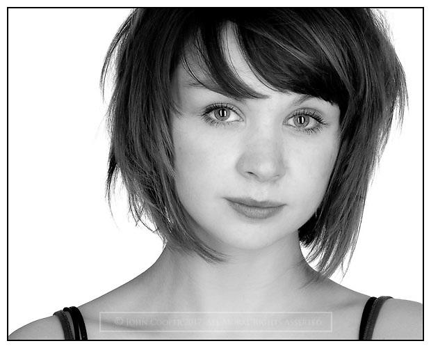 Headshot of actress Hannah Donaldson.
