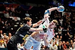 20.01.2020, Wiener Stadthalle, Wien, AUT, EHF Euro 2020, Weissrussland vs Spanien, Hauptrunde, Gruppe I, im Bild v. l. Viran Morros de Argila (ESP), Uladzislau Klesh (BLR) // f. l. Viran Morros de Argila (ESP) Uladzislau Klesh (BLR) during the EHF 2020 European Handball Championship, main round group I match between Belarus and Spain at the Wiener Stadthalle in Wien, Austria on 2020/01/20. EXPA Pictures © 2020, PhotoCredit: EXPA/ Florian Schroetter