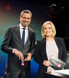 12.05.2019, Puls4 Studio, Wien, AUT, Puls4, Elefantenrunde zur Europawahl 2019, im Bild Die Puls4 Moderatoren Thomas Mohr und Corinna Milborn // during political discussion due to elections of the european parliament 2019 in Vienna, Austria on 2019/05/12, EXPA Pictures © 2019, PhotoCredit: EXPA/ Michael Gruber