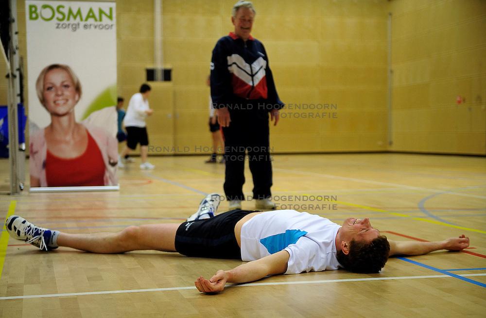 25-02-2011 ALGEMEEN: VOLLEYBALCLINIC BVDGF: ZWOLLE<br /> In samenwerking met Bosman zal de BvdGF in 2011 starten met een Sportief met Diabetestour langs verschillende ziekenhuizen in Nederland. De Sportief met Diabetestour is bedoeld om volwassenen met diabetes type 1 te informeren over sport en diabetes / Bas van de Goor<br /> &copy;2011-WWW.FOTOHOOGENDOORN.NL