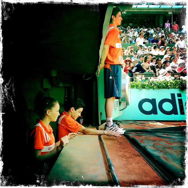 Roland Garros. Paris, France. May 27th 2012.Ball boy.Les ramasseurs de balles.
