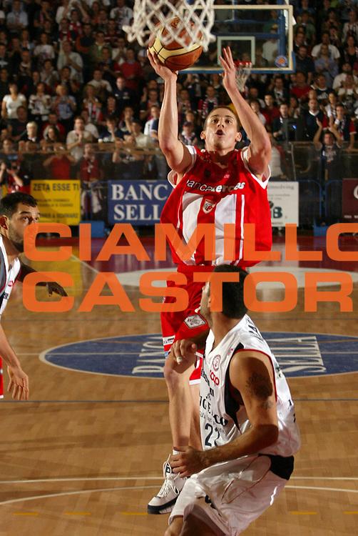 DESCRIZIONE : Biella Lega A1 2008-09 Angelico Biella Bancatercas Teramo<br /> GIOCATORE : Jaycee Carroll<br /> SQUADRA : Bancatercas Teramo<br /> EVENTO : Campionato Lega A1 2008-2009 <br /> GARA : Angelico Biella Bancatercas Teramo  <br /> DATA : 19/10/2008 <br /> CATEGORIA : Tiro<br /> SPORT : Pallacanestro <br /> AUTORE : Agenzia Ciamillo-Castoria/E.Pozzo <br /> Galleria : Lega Basket A1 2008-2009 <br /> Fotonotizia : Biella Campionato Italiano Lega A1 2008-2009 Angelico Biella Bancatercas Teramo<br /> Predefinita :