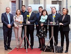 22.03.2018, Congress, Innsbruck, AUT, Gemeinsame PK Tiroler Grüne und Tiroler ÖVP, Regierungsprogramm 2018 bis 2023, im Bild LH Stv. Josef Geisler (ÖVP), LR Gabi Fischer (DIE GRÜNEN), Gebi Mair (Klubobmann die Grünen), LR Johannes Tratter (ÖVP), Jakob Wolf (Klubobmann ÖVP), LR Beate Palfrader (ÖVP), LR Bernhard Tilg (ÖVP), LR Patrizia Zoller-Frischauf (ÖVP) // f.l. LH Stv. Josef Geisler (ÖVP) LR Gabi Fischer (DIE GRÜNEN) Gebi Mair (Klubobmann die Grünen) LR Johannes Tratter (ÖVP) Jakob Wolf (Klubobmann ÖVP) LR Beate Palfrader (ÖVP) LR Bernhard Tilg (ÖVP) LR Patrizia Zoller-Frischauf (ÖVP) during a press conference of the Tyrolean Greens and the Tyrolean OeVP at the Congress in Innsbruck, Austria on 2018/03/22. EXPA Pictures © 2018, PhotoCredit: EXPA/ Johann Groder