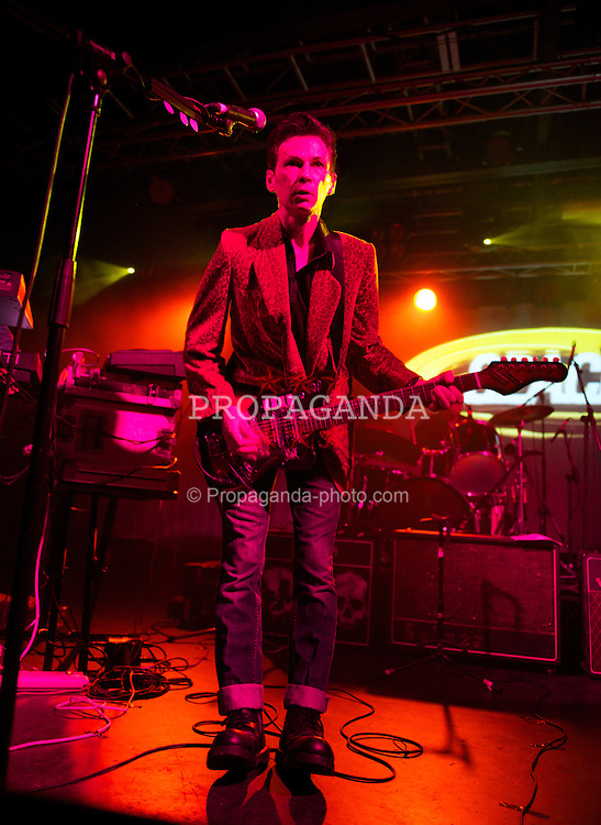LIVERPOOL, ENGLAND - Thursday, December 22, 2011: Tommy Murphy of Space as they play their first gig since reforming at the O2 Academy in Liverpool. (Pic by David Rawcliffe/Propaganda)