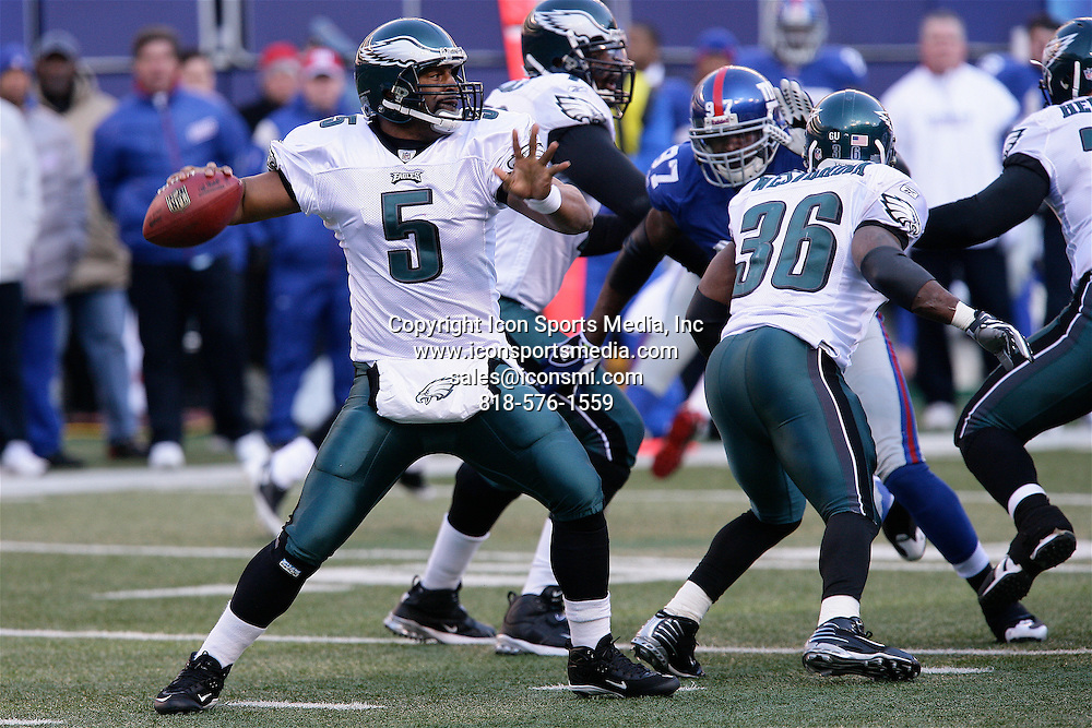 January 11, 2009: Philadelphia Eagles quarterback Donovan McNabb (5) passes from the pocket during the Philadelphia Eagles 23-10 victory over the New York Giants in their NFC Divisional game at Giants Stadium in East Rutherford, NJ.