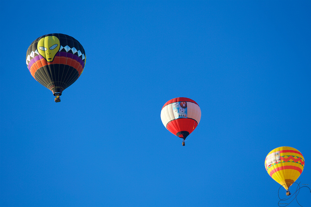 Not just at Roswell I'm afraid...a trio of Balloons each catching the sunrise on the same side on a brilliant morning for flight
