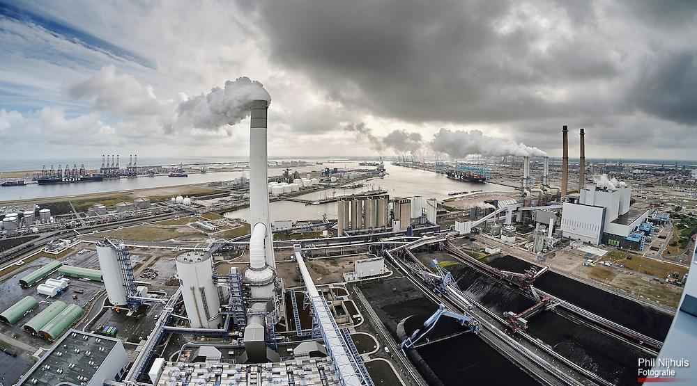 Maasvlakte, 29 juli 2016 - Overzichtsfoto van de Elektriciteitscentrale (kolen) van Uniper / EON op de Maasvlakte in de Rotterdamse Haven.<br /> Foto: Phil Nijhuis
