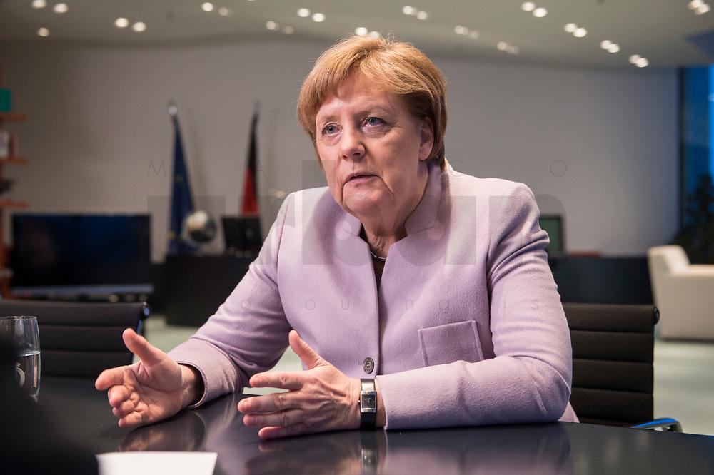 20 MAR 2017, BERLIN/GERMANY:<br /> Angela Merkel, CDU, Bundeskanzlerin, waehrend einem Interview, in ihrem Buero, Bundeskanzleramt<br /> IMAGE: 20170320-01-005<br /> KEYWORDS: Büro