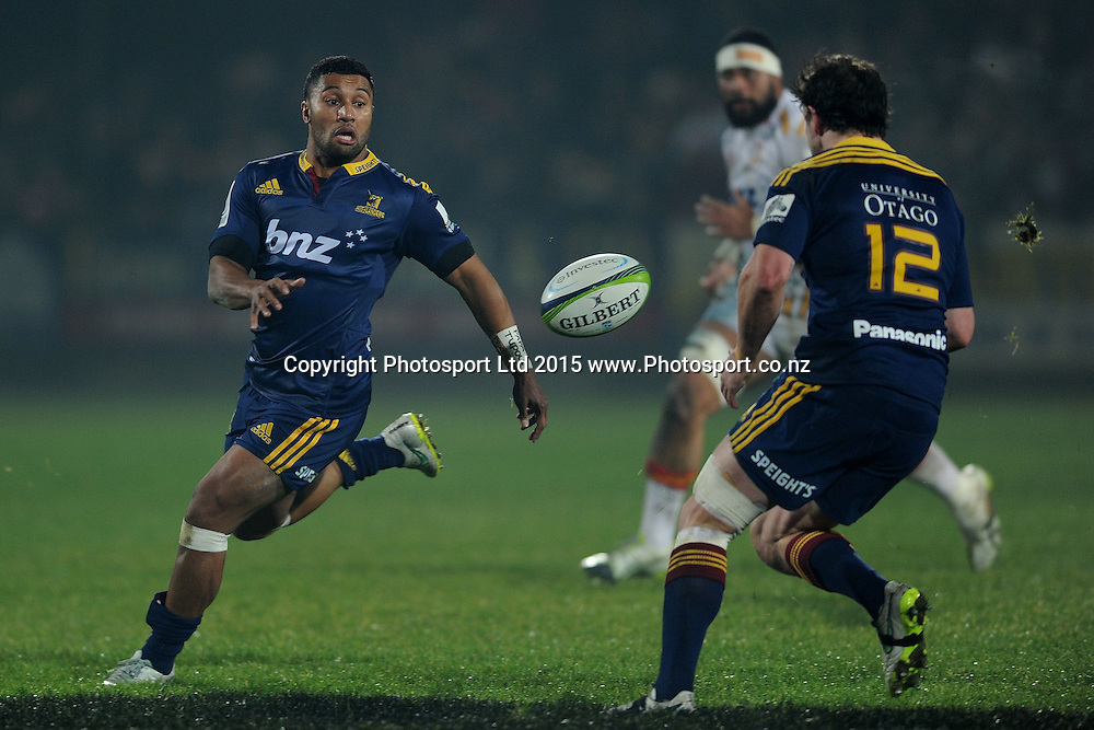 Lima Sopoaga of the Highlanders makes a pass, during the Super Rugby Match between the Highlanders and the Chiefs, held at Rugby Park, Invercargill, New Zealand, 30th May 2015. Credit: Joe Allison / www.Photosport.co.nz