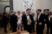 ALLEN JONES; GRAYSON PERRY; MARK BELL; ALAIN DE BOTTON, Annual Dinner. Royal Academy of Arts. Piccadilly. London. 8 June 2010. -DO NOT ARCHIVE-© Copyright Photograph by Dafydd Jones. 248 Clapham Rd. London SW9 0PZ. Tel 0207 820 0771. www.dafjones.com.